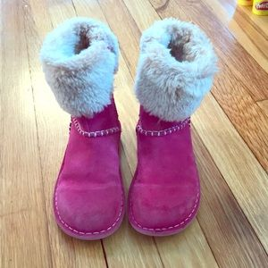 Girls pink Clarks suede furry boots size 12.5